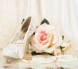 Wedding: Picture of bridal shoes, pink rose and vintage beads